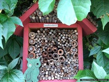 Das Insektenhotel im Garten unserer Ferienwohnung im Frankenwald