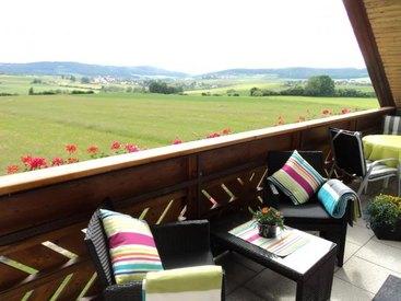 Ferienwohnung Wiegärtner in Vordergereuth im Ahorntal in der Fränkischen Schweiz / Ausblick vom Balkon ins Ahorntal