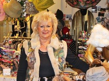 Westen, Lesebrillen, Schmuck und jede Menge Accessoires bei Modetreff Marlies in Oberstaufen