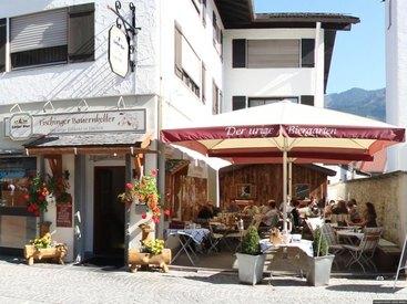 Grüß Gott im Bauernkeller - Landleben am Alpenkamm!