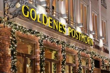 Goldenes Posthorn Weihnachtliche Außenansicht