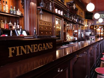 Die Bar in unserem gemütlichen Irish Pub