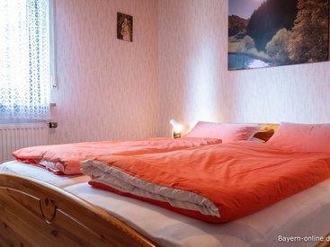 Willkommen in unserer Ferienwohnung in Gößweinstein - Schlafzimmer