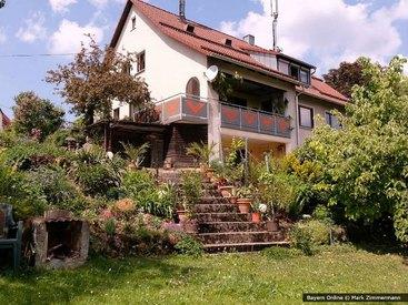 Der liebevoll angelegte Garten in unserer Ferienwohnung in Egloffstein in der Fränkischen Schweiz