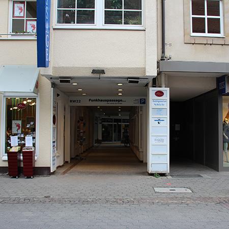 Dr. R Poetzsch-Heffter