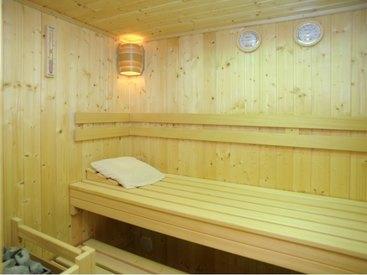 Ruheraum mit Sauna (Vergrößern)