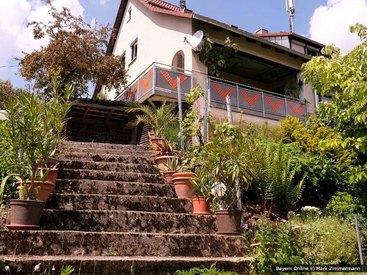 Unser wunderschöner Garten in unserer Ferienwohnung in Egloffstein in der Fränkischen Schweiz