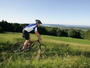 Sportlich im Berggasthof Adersberg mit Traumblick über den Chiemsee