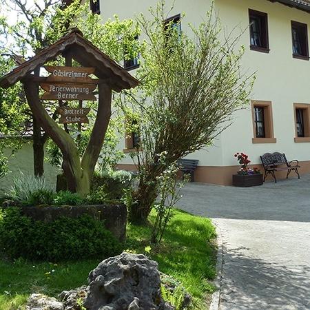 Bernerhof - Ferienwohnungen, Zeltplatz, Wohnmobilstellplätze in Pottenstein