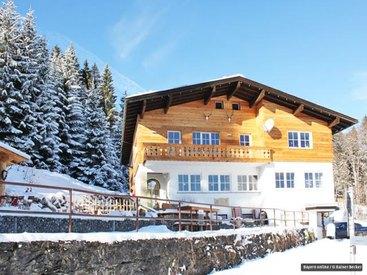 Ausflugslokal Berggasthof Bergkristall Oberstdorf im Winter