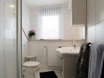 Badezimmer in der Ferienwohnung 3 im Fritzerhof in Kleingesee bei Gößweinstein in der Fränkischen Schweiz