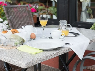 Gesundes und leckeres Frühstück: Willkommen im Gasthof Opel in Himmelkron nahe der A 9 Berlin München