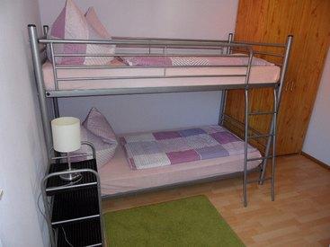 Ferienwohnung unten, Stockbettschlafzimmer