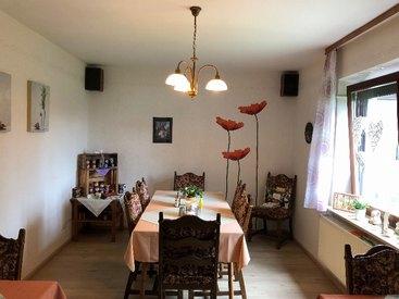 Der Frühstückssaal in unserem liebevoll eingerichteten Gasthaus