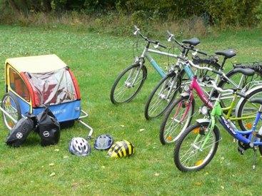 Bikes und Zubehör