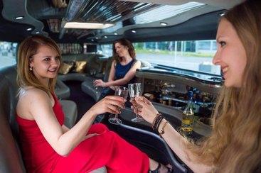 Luxus Stretchlimousine mit Chauffeur - in Bayreuth, Kulmbach, Nürnberg, Fürth, Erlangen.