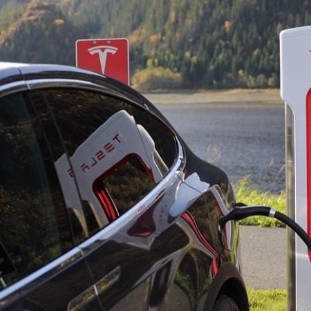 Auftanken für Tesla-Fahrer am Chiemsee
