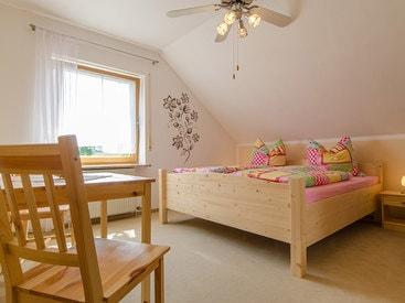 Schlafzimmer Fewo Veldenstein