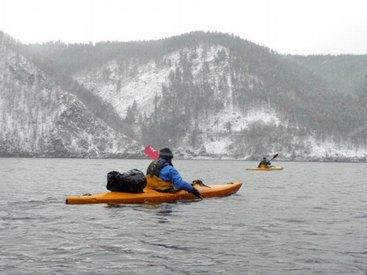 Mit dem Boot fahren auch im Winter