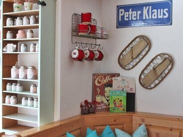 ...Teedosen, Teetassen, Bücher und tolle Accessoires