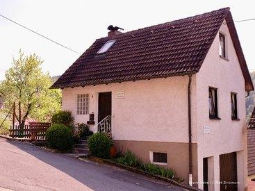 Ihre wunderschöne Ferienwohnung in Muggendorf von außen