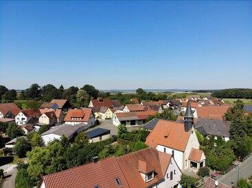 Unser Hof aus der Luftperspektive