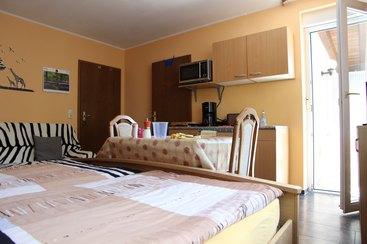 Appartement mit DU/WC, Schlafcouch, Singleküche und Balkon