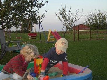 Garten zum Spielen für die Kinder