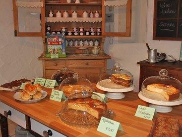 Kuchenbuffet im Tante Emma Tea Room und Bistro in Fischen im Allgäu
