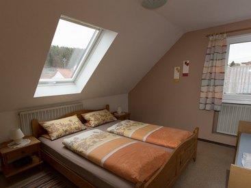 FeWo Nr. 1 Dachgeschoss - 3-Bett-Zimmer