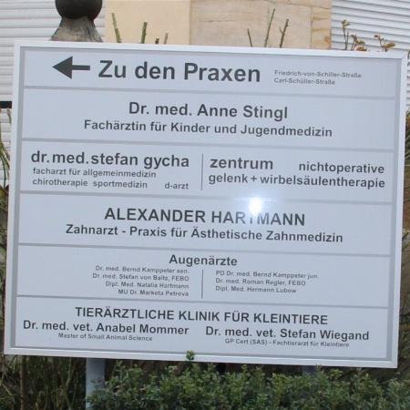 Zahnarzt Alexander Hartmann
