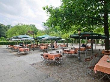 Unser Hotel liegt mitten im Park der Eremitage - schöner und ruhiger geht es nicht in Bayreuth.