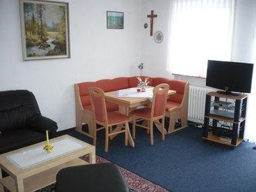 Esstisch in unserer Ferienwohnung in Fichtelberg