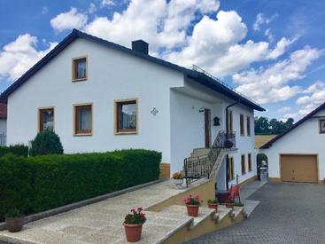 Hausansicht - Ferienwohnung mit 65 qm im Erdgeschoss