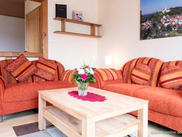 Willkommen in unserer Ferienwohnung 1 in Gößweinstein - Wohnzimmer