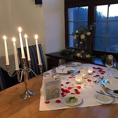 5-Gänge-Candle-Light-Dinner zum Valentinstag am 14.02.2020 18:00 Uhr auf Burg Rabenstein