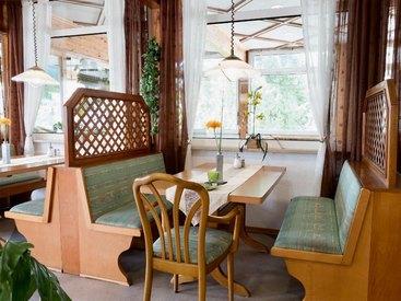 Gemütliches Restaurant: Willkommen im Gasthof Opel in Himmelkron nahe der A 9 Berlin München